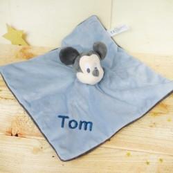 Doudou personnalisé broderie Disney ourson en peluche cape de bain carnet de santé personnalisé prénomMickey disney baby